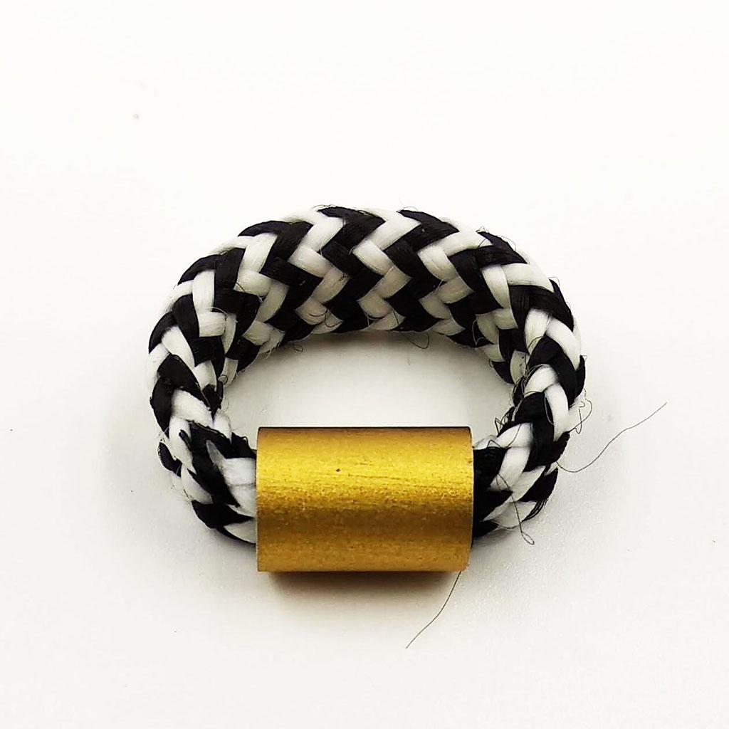 CHRISTINA BRAMPTI Elastic cord ring (gold)